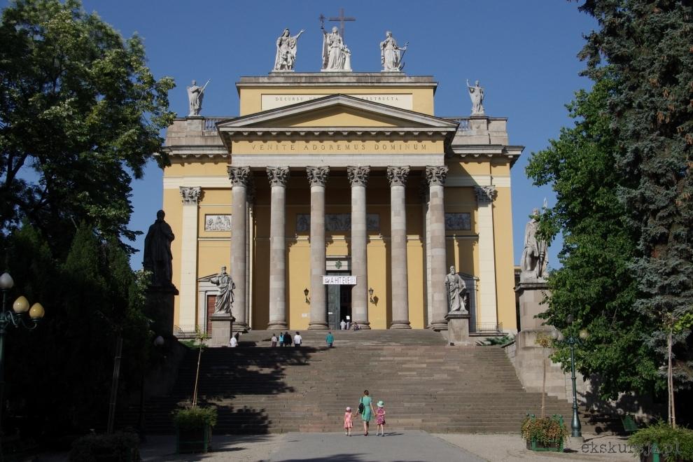 Bazylika w Egerze