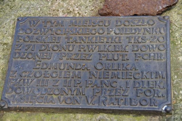 Tablica na 'Kamień plut. Orlika'