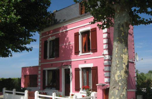 Różowy-domek